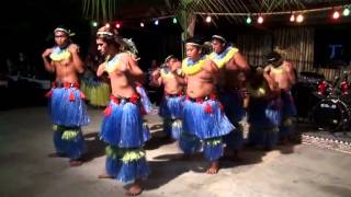 http://ozoutback.com.au A fast traditional dance from the Cook Islands, accompanied by vigorous drumming. This dance is by the ...
