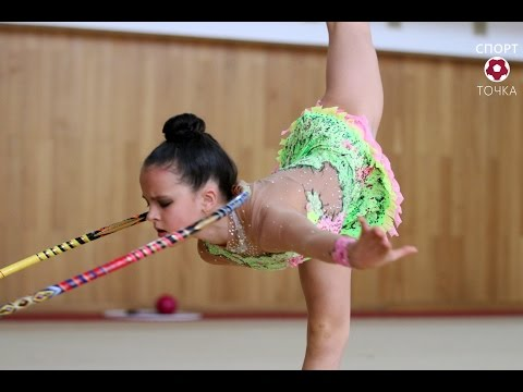 Competition in rhythmic gymnastics performance with Hoop (видео)