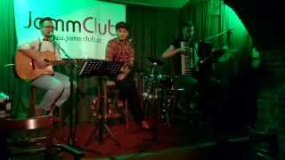 Video Sugar on The Floor live v jamm clubu