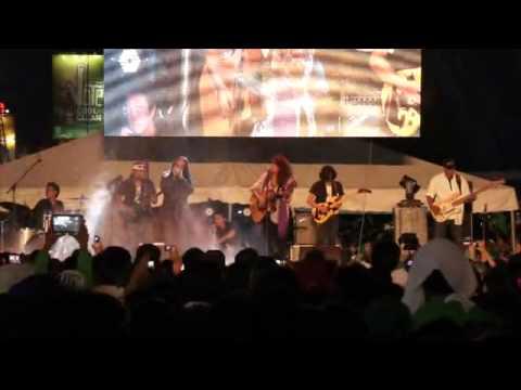 Video Lolita Carbon  of Asin- Masdan Mo Ang Kapaligiran download in MP3, 3GP, MP4, WEBM, AVI, FLV January 2017