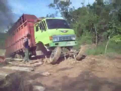 Tow Hino Truck Fail