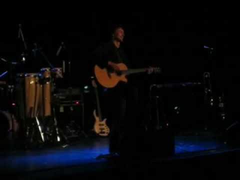 Chris Chameleon: Apie (acoustic)