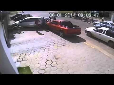 Karma comes back around to thieves on motorcycle