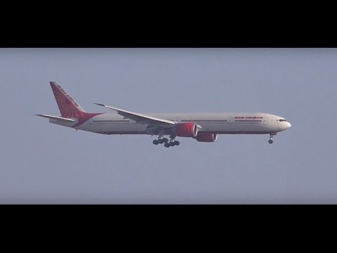 Video Landing Of Massive & Beautiful Air India's Boeing 777-300ER From New York at Mumbai Airport download in MP3, 3GP, MP4, WEBM, AVI, FLV January 2017