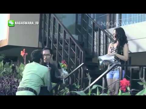 Video Siti Badriah   Terong Dicabein   Official Music Video   Nagaswara download in MP3, 3GP, MP4, WEBM, AVI, FLV January 2017