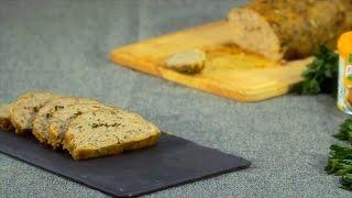 Misture a soja com o Knorr Granulado de Galinha, cubra com água morna e deixe hidratar.
