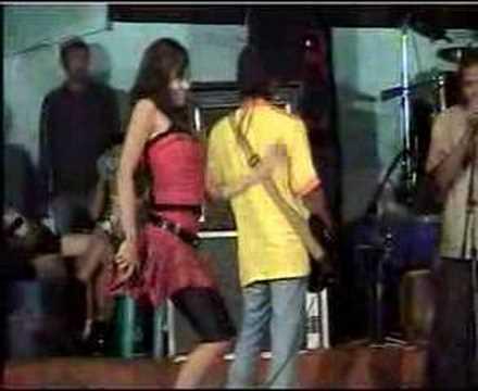... Piton Sepanjang 7 meter Memangsa Remaja SMP di Medan [21 maret 2010