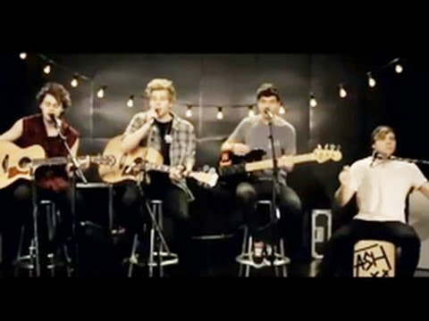 5 Seconds Of Summer - Heartbreak Girl (Acoustic) @MTV PUSH