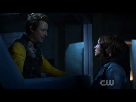 The Flash 5x14 Ending Scene (HD)
