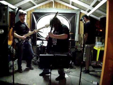 Banda Tinto Seco tocando em Itapema - SC