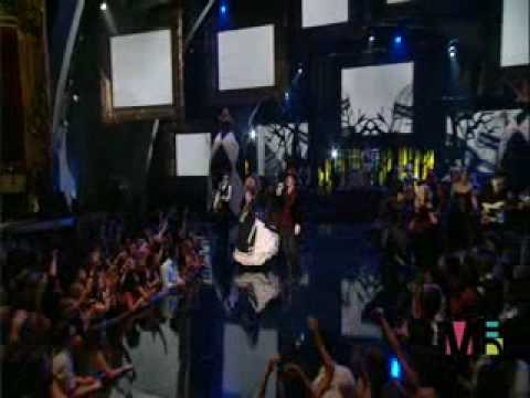 Blooper en la entrega del video del año - MTV Video Music Awards 2006