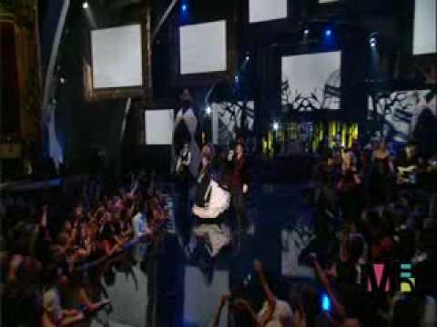 Blooper en la entrega del video del año - MTV Video Music Awards 2006