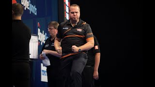 """Simon Whitlock on bizarre win over Mervyn King: """"I thought I'd leave the fly there!"""""""