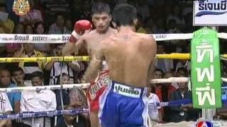 Tiger Cement Tournament 2011Semifinal / Muay Thai / Sorntong Skindiew Gym Vs Kongkanuan Por Burapa