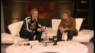 Martin Freeman asks Tim Lovejoy about his Ramones t-shirt