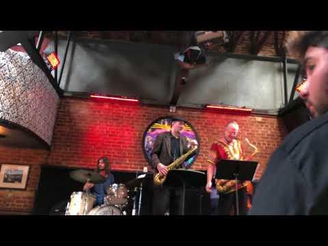 Greg Fishman & Doug Webb play