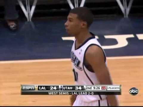 Wesley Matthews blocks Kobe Bryant