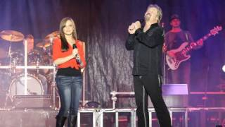 Video Travis Tritt Sings with his daughter at the North GA  Fair MP3, 3GP, MP4, WEBM, AVI, FLV September 2019