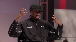 Gus Johnson reenacts the Stokley call on stage at E3,  AMAZING MUST SEE!