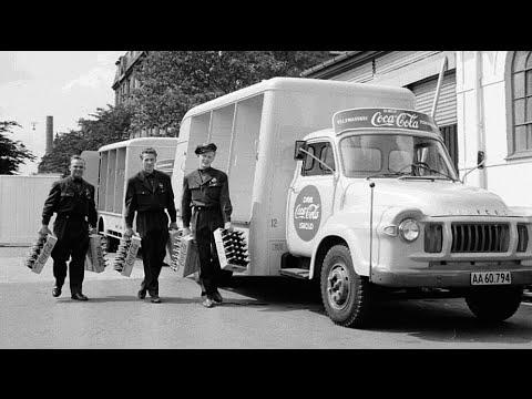 """Coca Cola var en kostelig skat i starten af 1960erne. Coca Cola kom først til Danmark i 1959, da sukkerrationeringen efter krigen var ophævet.  """"Min farmor sagde, at cola kun var en drik for voksne, som havde dårlig mave."""""""