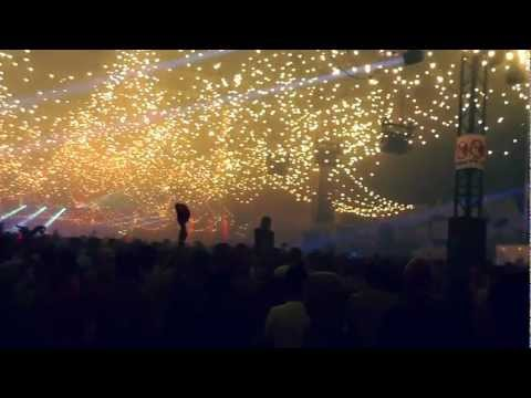 #pkp12 @pukkelpop knows how to party. The lights were amazing at the Boiler room. Snippet of @trashradio's set. [video]