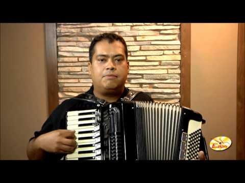 aprender a tocar acordeon - Maxwell Bueno- Site:http://www.edon.com.br Facebook: http://www.facebook.com/EdonMusica Aulas Presenciais Escola Recanto do Acordeon Brasília: (061) 8509-988...