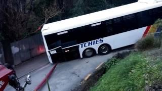 Video Stuck Bus on Buccleugh (Full Video) MP3, 3GP, MP4, WEBM, AVI, FLV September 2018