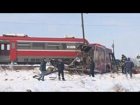 Σερβία: Σύγκρουση τρένου με λεωφορείο- Πέντε νεκροί, 27 τραυματίες…