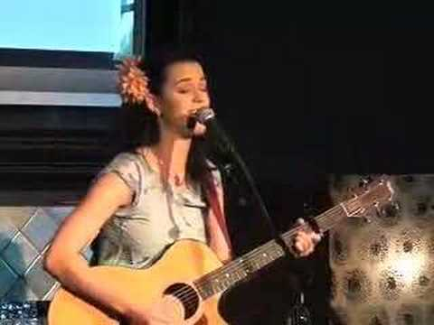 Mannequin - Katy Perry performed LIVE at the KISS FM Sprint Live Lounge. Watch this up and coming artist show off her talent for our KISS listeners!