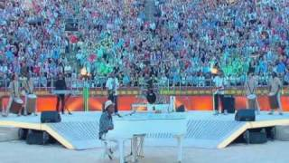 "David Bisbal & K'naan - LIVE - ""Waving Flag"" (Wetten dass... 2010)"