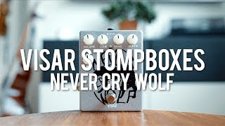 """My demo of the Visar Stompboxes Never Cry Wolf!*this is a sponsored video*http://visarstompboxes.pl/""""We have used electronics constructed in a way that gives the highest possibility of modifying the sound. There are also two knobs added for adjustable mid-range frequency and depth control.Switch Si/Ge allows choosing the cutting signal diode. Silicon diode (Si) compresses signal much stronger then germanium diode (Ge), that is why the effect contains two different natures, depending on what position the switch is on.""""Guitar: Fano PX6Amp: Tone King 20th Anniversary ImperialCables: Toaster Cables - http://www.toastercables.com/Patch cables: Mulder Audio - http://www.mulderaudio.com/Contact: livingroomgear@gmail.comhttps://www.patreon.com/livingroomgeardemoshttps://www.facebook.com/livingroomgearhttps://twitter.com/livingroomgearhttp://instagram.com/livingroomgeardemoshttp://ask.fm/livingroomgearhttp://livingroomgeardemos.tumblr.com"""