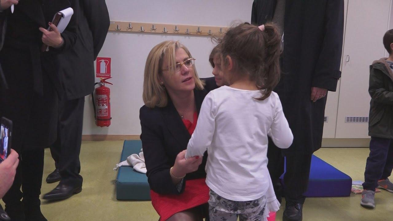 Επίσκεψη της επιτρόπου Κορίνας Γκρέτσου σε σχολείο της Πεντέλης
