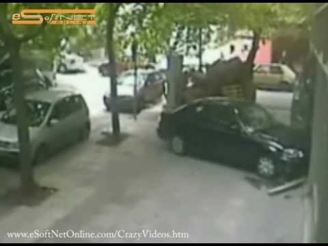 drivers - Hilarious compilation. More videos at http://www.esoftnetonline.com/crazyvideos.htm.