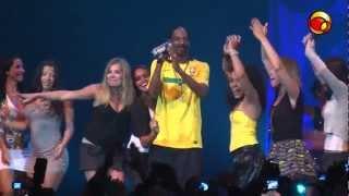 """Snoop Dogg canta """"Beautiful"""" no Vivo Rio, Rio de Janeiro"""