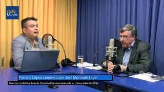 Patricio López conversa con el académico José Morandé