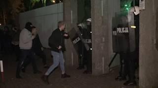 Zamieszki pod komendą w Koninie. Dostał gazem po oczach.