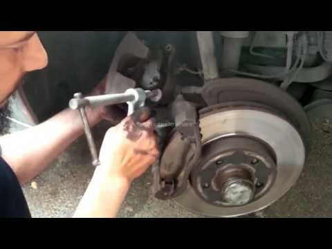 How to: Replace Brake Pads For Mercedes Benz E220 2007-8