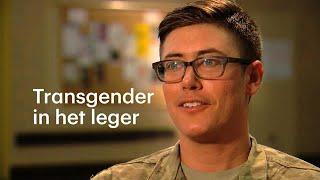 """""""Ik ben in de eerste plaats soldaat,"""" zegt Terrance Robertson. Hij werd geboren in het lichaam van een vrouw. Hij dient in het..."""