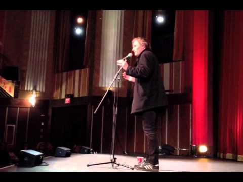 mortensen - Viggo Mortensen, in Boston to accept the Coolidge Corner Theatre's Coolidge Award, sings