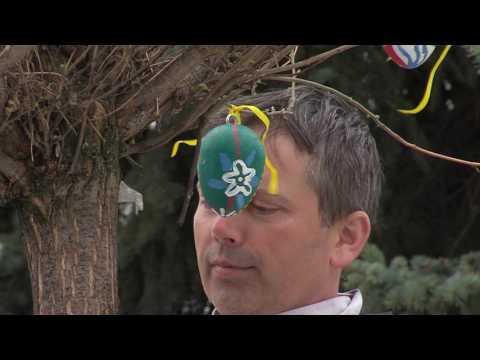 TVS: Bojkovice - Velikonoční zdobení náměstí