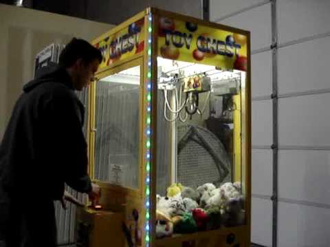65456 - Our new crane game for 2010!