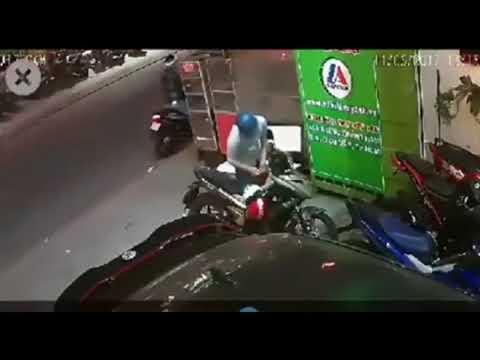 Trộm bỏ chạy trối chết sau 3 lần bẻ khóa xe máy bất thành