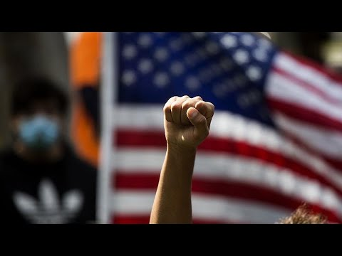 EE για την δολοφονία Φλόιντ: Υπερβολική χρήση βίας και κατάχρηση εξουσίας …