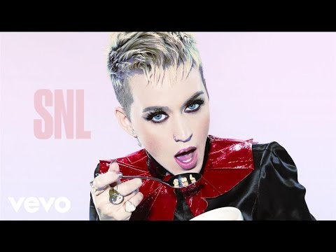 Katy Perry - Swish Swish (Live on SNL)
