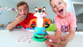Video FATHER SON PLAY CATCH THE FOX!! / Don't Lose The Pants! MP3, 3GP, MP4, WEBM, AVI, FLV November 2018