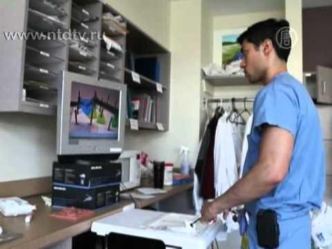 Хирурги учатся при помощи виртуального симулятора