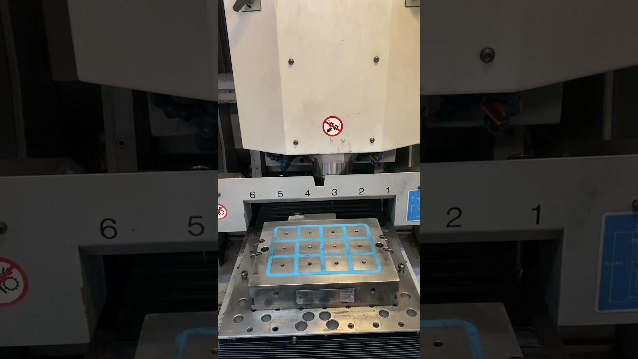 Mikron HSM 300 High Speed Hard Mill / Graphite Mill