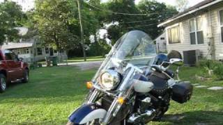 9. Suzuki Boulevard C109RT Video Review 2 of 3 - Startup, Critics, and something Funny!