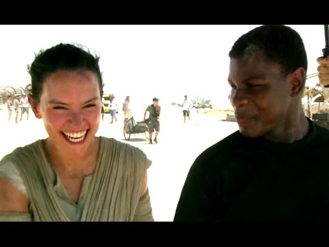 Star Wars: The Force Awakens (Featurette 'Shooting in Abu Dhabi')