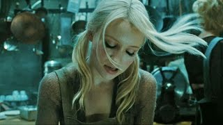 Emily Browning - Sweet Dreams (Are Made Of This)